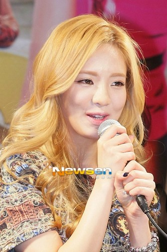 Hyoyeon @ Dancing with the Stars 2 Press Conference  - s%E2%99%A5neism Photo