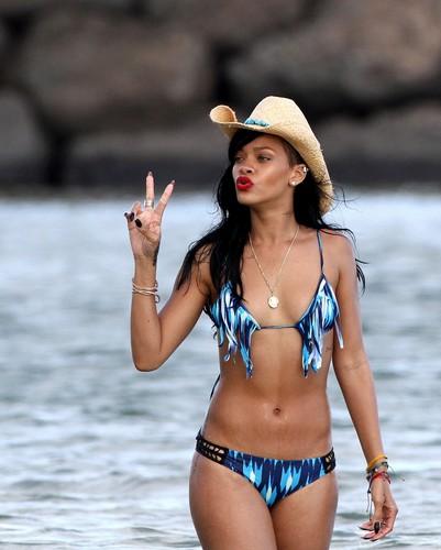 In A Bikini On The Beach In Hawaii [28 April 2012]