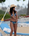 In A Bikini On The plage In Hawaii [28 April 2012]