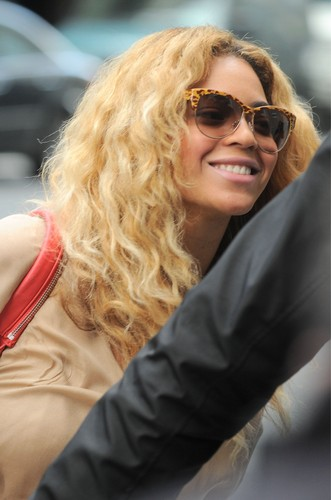 In NYC [25 April 2012]