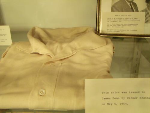 James Dean's camisa