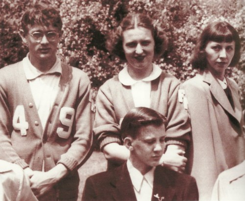 James Dean with his classmates on their trip to Washington, D.C.