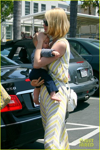 January Jones wallpaper possibly with a street titled January Jones & Xander: Sunday Lunch!