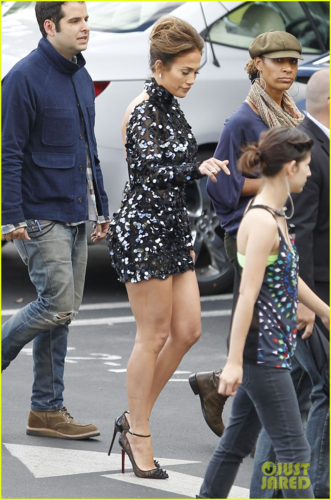 """Jennifer - Arrival to the set of """"American Idol"""" in West Hollywood - April 26, 2012"""