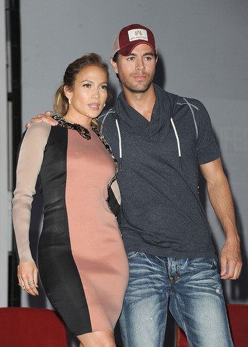 Enrique Iglesias images Jennifer Lopez & Enrique Iglesias Announce Tour wallpaper and background photos
