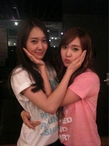 Jessica&Krystal Selca