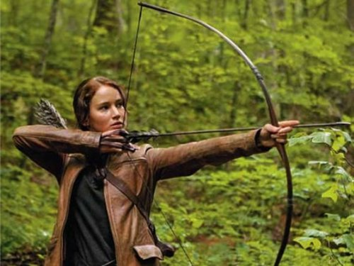 Katniss Shooting her Bow and 애로우