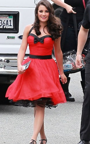 Lea on set of Glee filming Nationals - lea-michele Photo