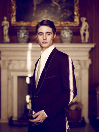 Max Irons wallpaper containing a business suit, a suit, and a well dressed person called Max<3