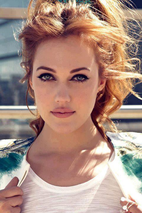 http://images5.fanpop.com/image/photos/30600000/Meryem-Uzerli-Istanbul-Life-Magazine-photos-turkish-actors-and-actresses-30694670-480-720.jpg