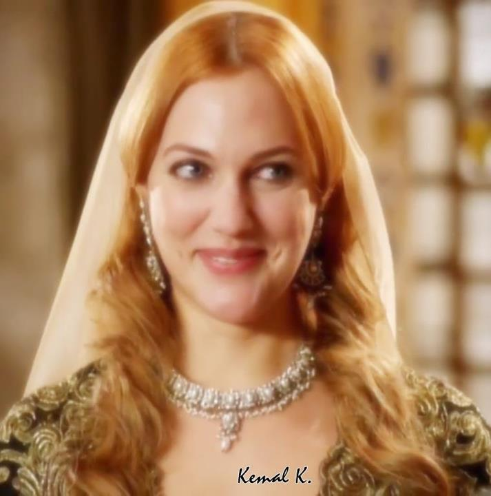 http://images5.fanpop.com/image/photos/30600000/Meryem-Uzerli-turkish-actors-and-actresses-30654420-713-720.jpg