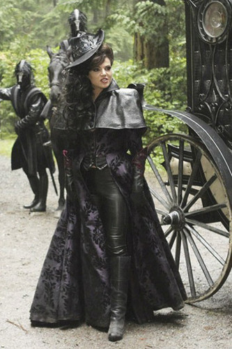 Once Upon A Time fond d'écran titled Once Upon a Time - Evil Queen