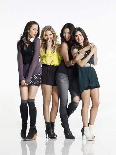 Pretty Little Liars Hintergrund with bare legs and a hip boot titled PLL Promo Photoshoot