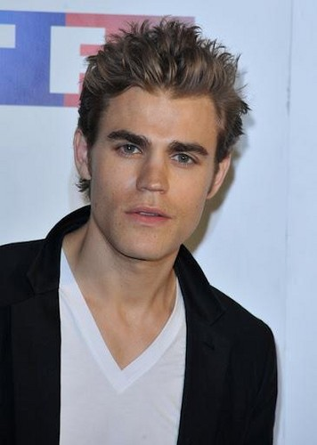 Paul Wesley wallpaper with a portrait entitled Paul Wesley