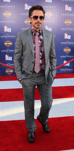 """Premiere Of Paramount Pictures & Marvel Entertainment's """"Captain America: The First Avenger"""" - Arriv"""