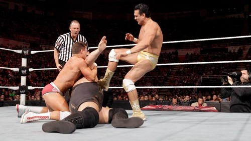 Rhodes and Del Rio vs Zeigen and Khali