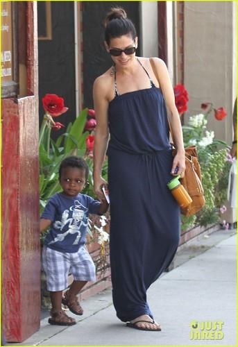 Sandra Bullock: Antiquing with Louis!