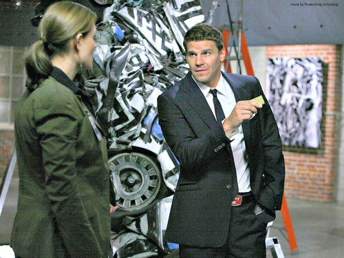 Seeley Booth দেওয়ালপত্র with a business suit, a suit, and a three piece suit titled Seeley Booth দেওয়ালপত্র