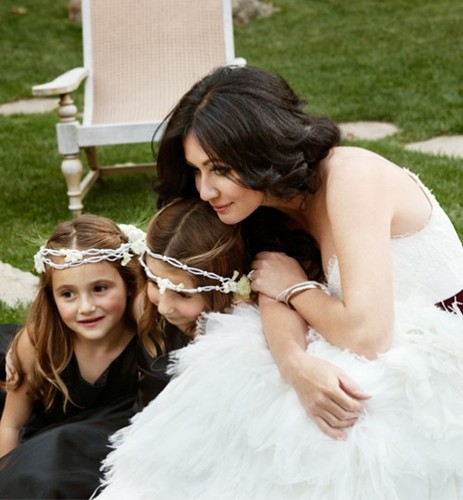Shannen and her flower girls - shannen-doherty Photo