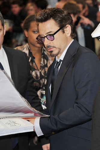 Stars at the Premiere of &#39;The Avengers&#39; in London - robert-downey-jr Photo