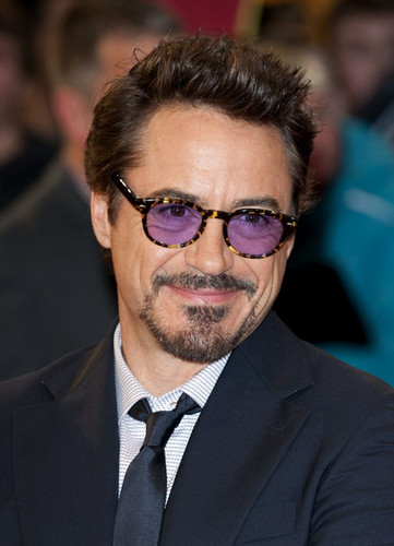Stars at the Premiere of 'The Avengers' in लंडन