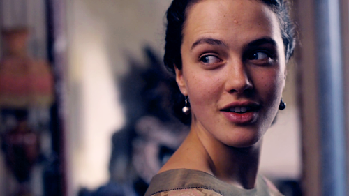 Lady Sybil Crawley wallpaper with a portrait entitled Sybil <3