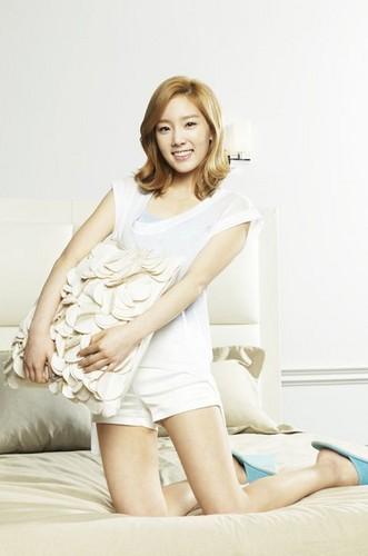 Taeyeon @ Ace tempat tidur