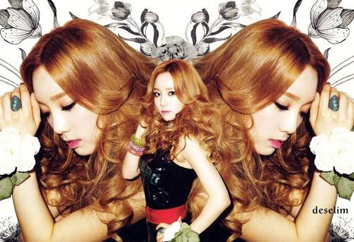 Taeyeon @ Twinkle Scan
