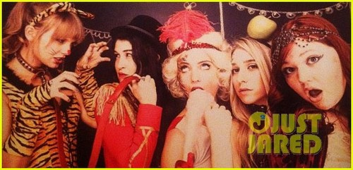 Taylor Helps Dianna Agron Celebrate Her Birthday With A Circus-themed Party!!!
