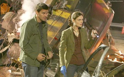 Temperance Brennan karatasi la kupamba ukuta