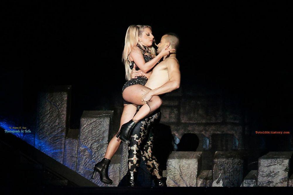 Lady gaga the edge of glory hero porn music video 9