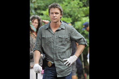 The Glades (1x06) Doppelganger
