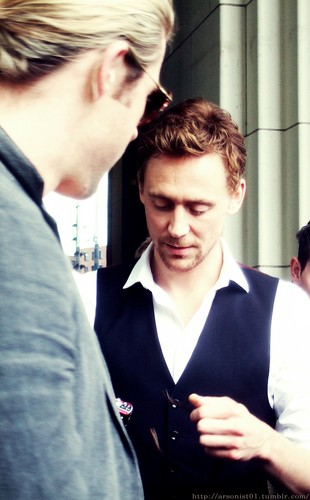 Tom Hiddleston images Tom Hiddleston HD wallpaper and ...