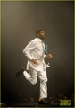 Usher & Justin Bieber: 'Fuerza Bruta' Dance Off!