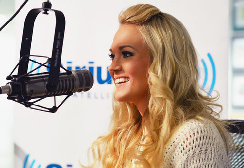 Visits SiriusXM Carrie Underwood