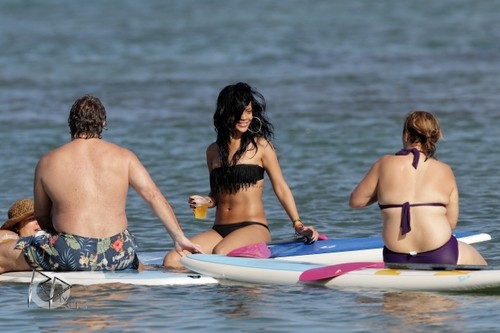 Rihanna wallpaper probably with a bikini and skin called Wearing A Bikini In Hawaii [27 April 2012]