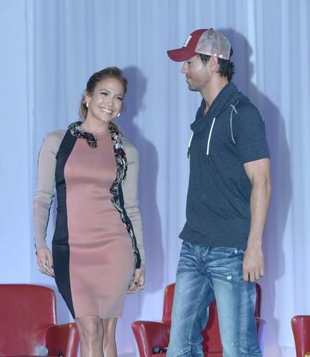 Wisin Y Yandel Press Conference [30 April 2012]