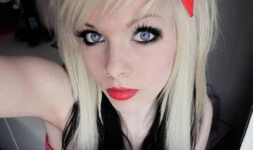 german, scene queen, emo girl, ira vampira, black, blonde, blond, hair, coontails, sitemodel