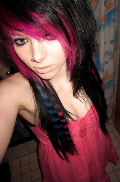 german scene queen emo girl ira vampira pink blue