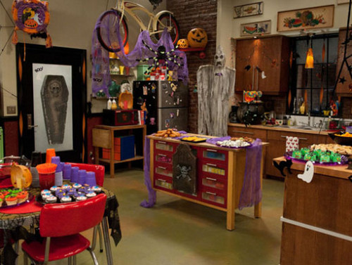 iCarly wolpeyper containing a barrow entitled iHalfoween