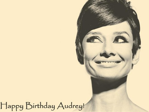 <3 Happy Birthday Audrey! <3 - audrey-hepburn Wallpaper