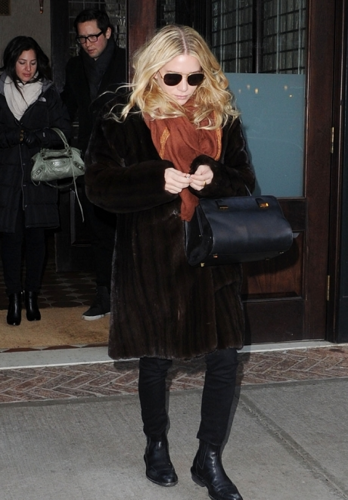Ashley - Leaving her hotel in New York, December 18, 2011