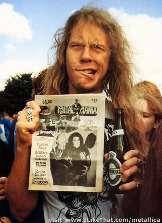 James Hetfield fond d'écran probably with a newspaper titled ϟ ♥ James ϟ ♥