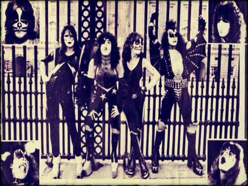 Rakshasa's World of Rock N' Roll wallpaper possibly with a jail, a street, and a holding cell titled ☆ Kiss ☆