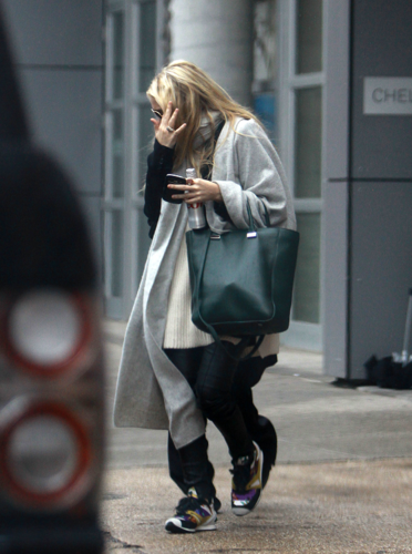 Mary-Kate & Ashley - Leaving the Chelsea Arts Tower, NYC, February 16, 2012