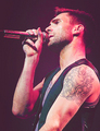 ^^ - adam-levine photo