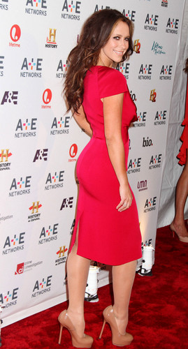 Jennifer Love Hewitt wallpaper containing a sign called A&E Networks 2012 Upfront in New York [9 May 2012]