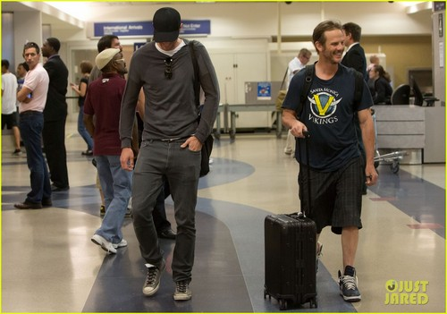 Alexander Skarsgard & Peter Berg: Frequent Flyers! - alexander-skarsgard Photo