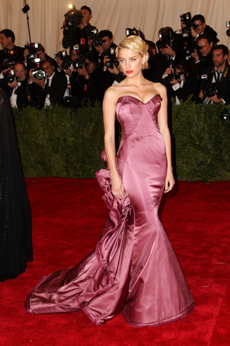 Amber Heard stuns on the red carpet at the Met Gala