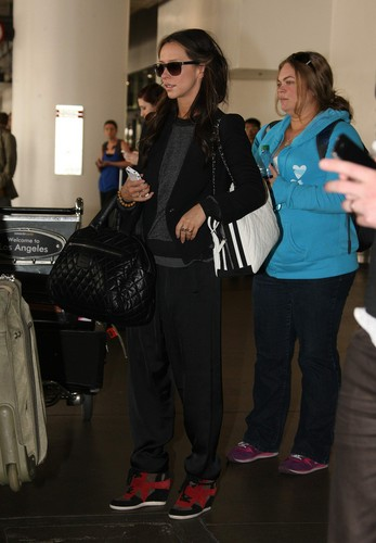 Arriving At LAX [10 May 2012] - jennifer-love-hewitt Photo